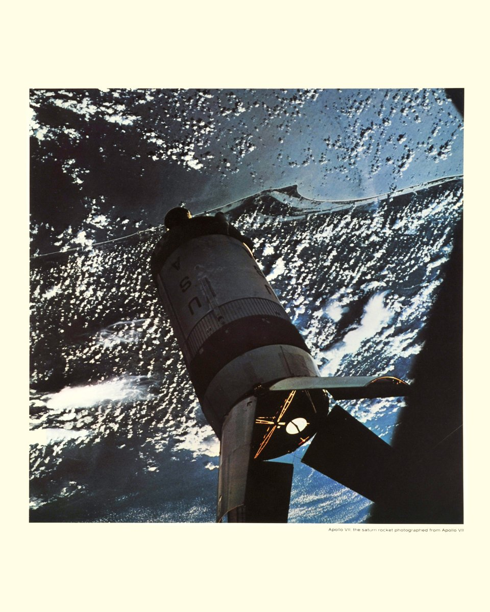Apollo VII, the Saturne rocket photographed from Apollo VII – Affiche ancienne – Photo NASA – 1969