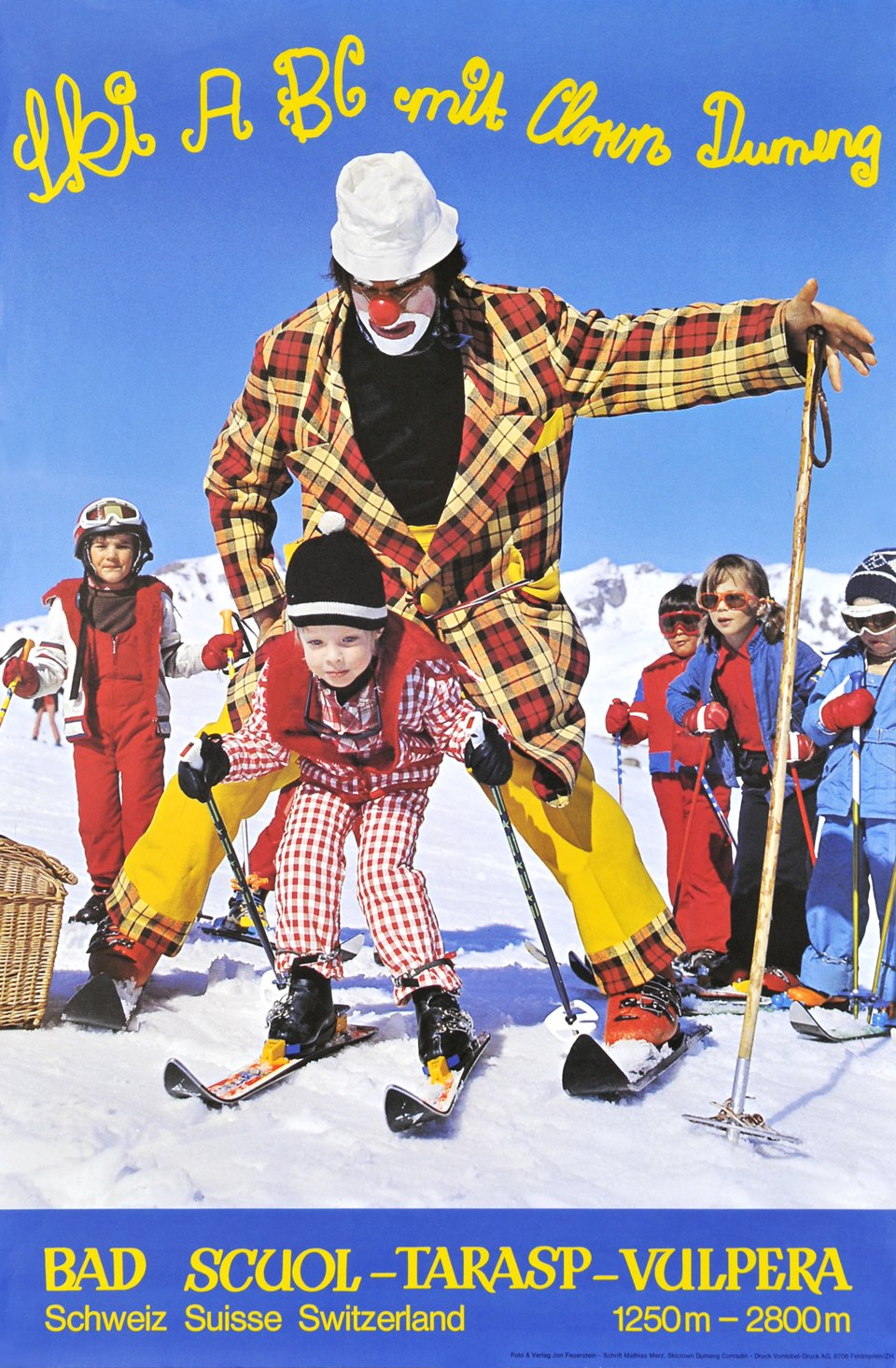 Ski ABC mit clown Dumeng - Bad, Scuol - Tarasp - Vulpera – Affiche ancienne – Jen FEUERSTEIN – 1980